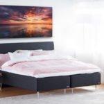 Suur seinapilt magamistuppa