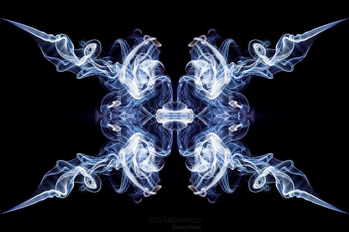 Abstraktne sümmeetria